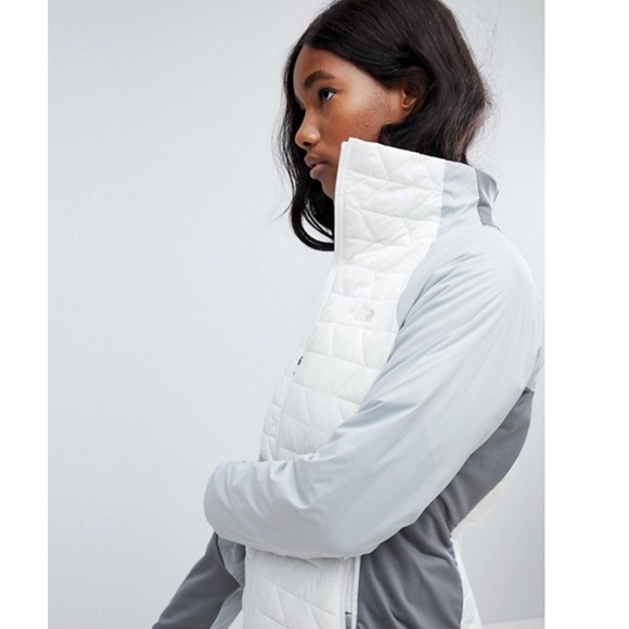 The North Face Jackets & Blazers - NWT The North Face White Thermoball Active Jacket